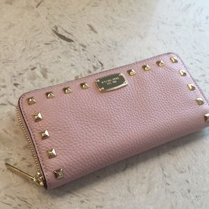 🆕Michael Kors Jet Set Studded Wallet in Blossom